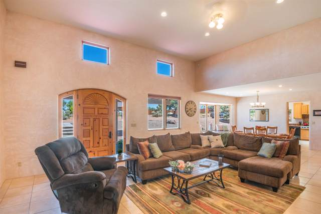10 Los Tapias Lane, Santa Fe, NM 87508 (MLS #201902918) :: The Desmond Group
