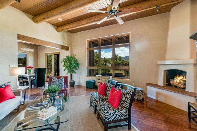 500 Armenta St, Santa Fe, NM 87505 (MLS #201903002) :: The Very Best of Santa Fe