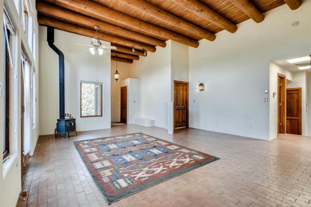 7 Redondo Ct, Santa Fe, NM 87508 (MLS #201903110) :: The Very Best of Santa Fe