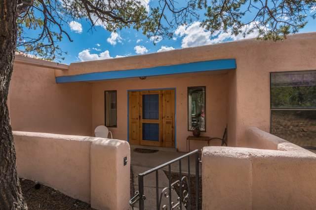 105 Cibola Circle, Santa Fe, NM 87505 (MLS #201903939) :: The Desmond Group