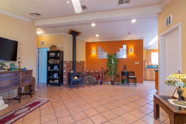 15 Calle Otra Banda, Santa Fe, NM 87506 (MLS #201904168) :: The Very Best of Santa Fe