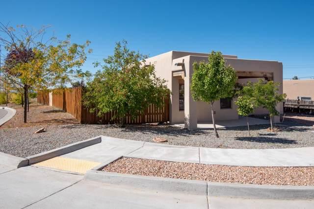 3738 Valmora, Santa Fe, NM 87505 (MLS #201904535) :: The Desmond Group