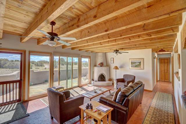 28 Encantado Loop, Santa Fe, NM 87508 (MLS #201904687) :: The Desmond Group