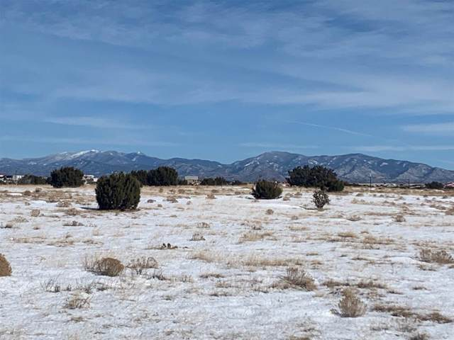 188 A Haozous, Santa Fe, NM 87508 (MLS #201905198) :: The Desmond Group