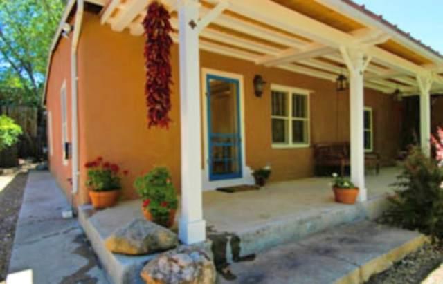 964 Acequia Madre, Santa Fe, NM 87505 (MLS #201905439) :: The Very Best of Santa Fe