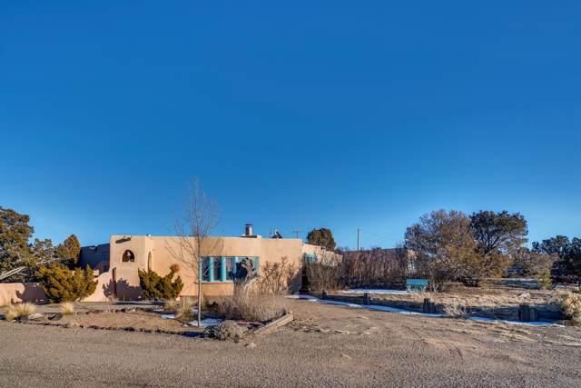 6 Calle Estevan, Santa Fe, NM 87507 (MLS #202000073) :: The Desmond Group