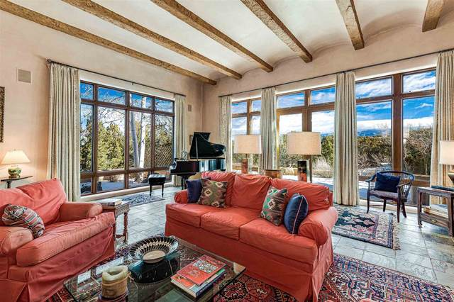 21 Vuelta Yucca, Santa Fe, NM 87506 (MLS #202000451) :: The Desmond Hamilton Group