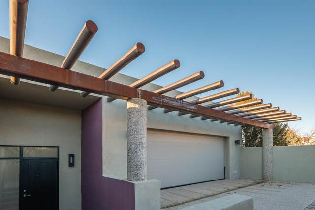 107 Avenida Frijoles, Santa Fe, NM 87507 (MLS #202000646) :: The Desmond Hamilton Group
