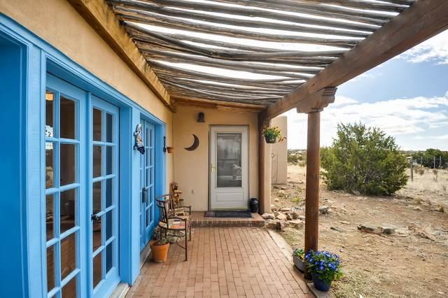 29 Cerrado Loop, Santa Fe, NM 87508 (MLS #202000895) :: Berkshire Hathaway HomeServices Santa Fe Real Estate