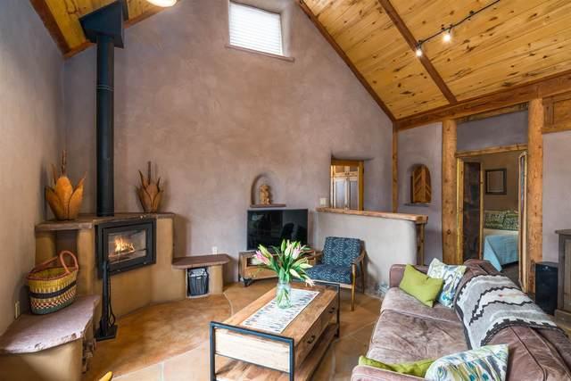 119 Old Galisteo Way, Santa Fe, NM 87508 (MLS #202000934) :: The Very Best of Santa Fe