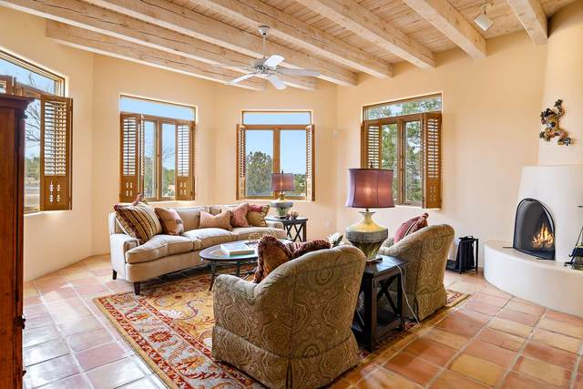 58 Balsa Rd, Santa Fe, NM 87508 (MLS #202000938) :: The Desmond Hamilton Group