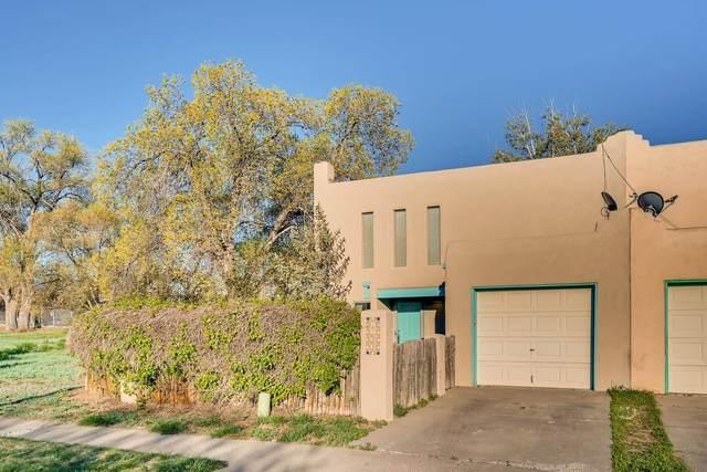 1533 Camino La Canada, Santa Fe, NM 87501 (MLS #202001390) :: The Very Best of Santa Fe
