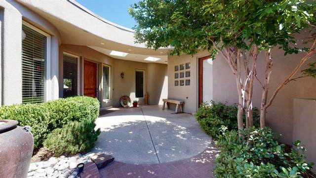 2315 Pinon Encantada Trail Nw, Albuquerque, NM 87104 (MLS #202001840) :: The Desmond Hamilton Group