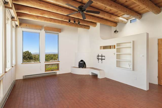 7 Monte Alto Court, Santa Fe, NM 87508 (MLS #202001858) :: The Desmond Hamilton Group