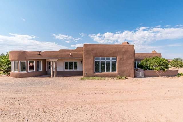 210 NE Camino Del Rincon, Santa Fe, NM 87506 (MLS #202001998) :: The Very Best of Santa Fe
