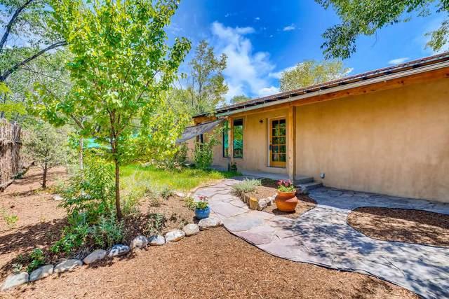130 W Coronado, Santa Fe, NM 87505 (MLS #202002024) :: Berkshire Hathaway HomeServices Santa Fe Real Estate