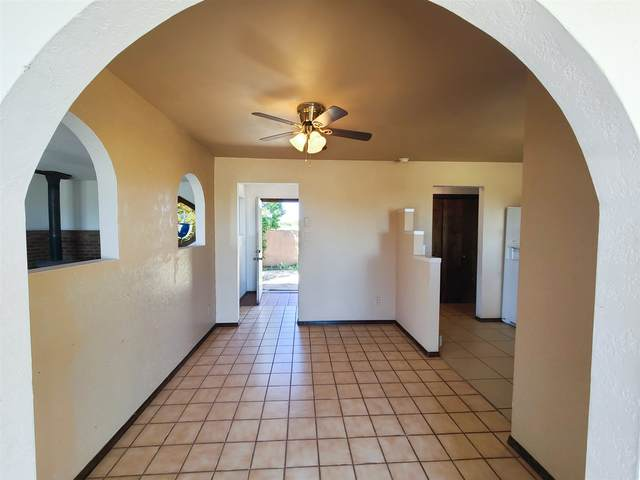 32 Lucero Rd, Santa Fe, NM 87508 (MLS #202002114) :: The Desmond Hamilton Group