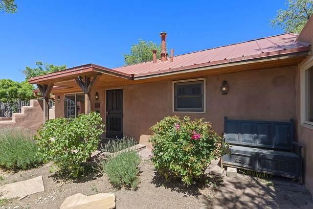 209 Ambrosio, Santa Fe, NM 87501 (MLS #202002153) :: The Desmond Hamilton Group