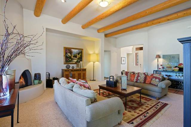 7 Westwind, Santa Fe, NM 87508 (MLS #202002214) :: Berkshire Hathaway HomeServices Santa Fe Real Estate