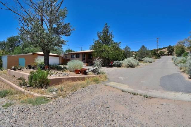 2190 W Alameda, Santa Fe, NM 87507 (MLS #202002432) :: The Desmond Hamilton Group