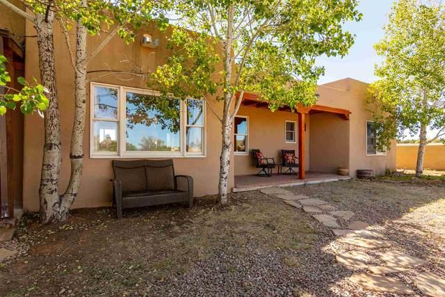8 S Chamisa Drive, Santa Fe, NM 87508 (MLS #202002719) :: The Very Best of Santa Fe