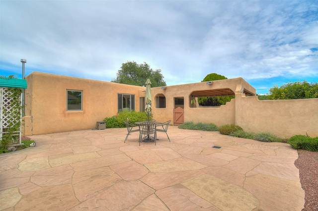 1320 Lujan St., Santa Fe, NM 87505 (MLS #202002759) :: The Desmond Hamilton Group
