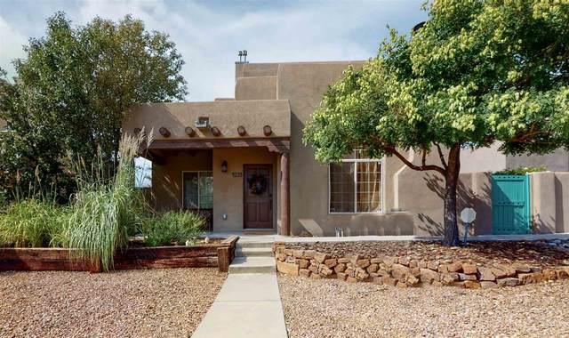 4153 Raindance, Santa Fe, NM 87507 (MLS #202003051) :: The Desmond Hamilton Group