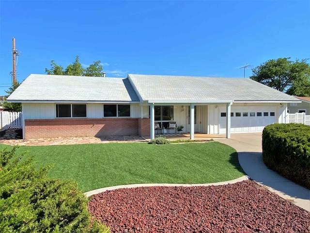 110 Aztec Ave, Los Alamos, NM 87547 (MLS #202003119) :: The Desmond Hamilton Group