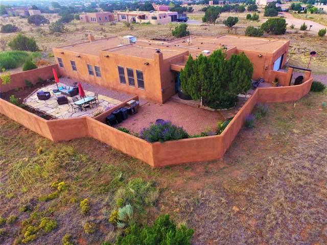 6 Encantado Place, Santa Fe, NM 87508 (MLS #202003587) :: Berkshire Hathaway HomeServices Santa Fe Real Estate
