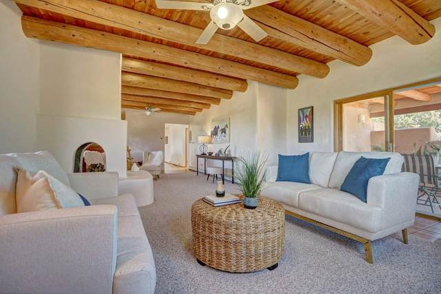 215 N El Rancho Rd, Santa Fe, NM 87501 (MLS #202003799) :: Berkshire Hathaway HomeServices Santa Fe Real Estate
