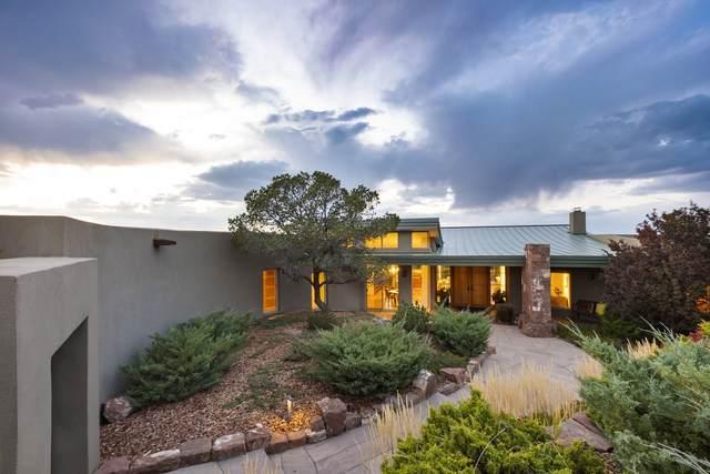 11 Juan De Gabaldon Trail, Santa Fe, NM 87506 (MLS #202003935) :: Summit Group Real Estate Professionals