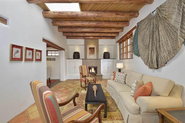 535 Douglas Street, Santa Fe, NM 87505 (MLS #202003977) :: Summit Group Real Estate Professionals