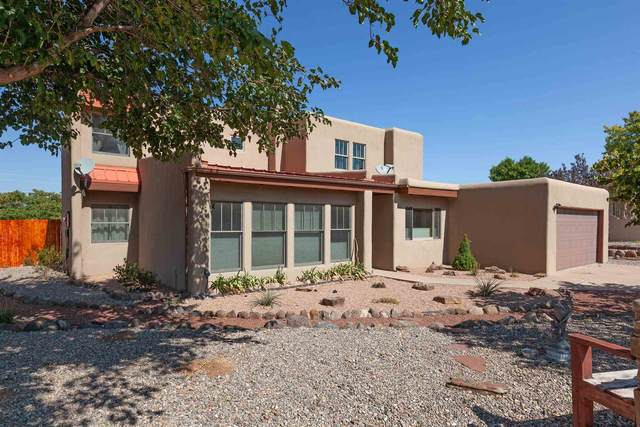 2423 Camino De Vida, Santa Fe, NM 87505 (MLS #202004069) :: Summit Group Real Estate Professionals