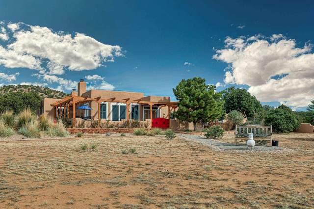 11 Calle Cabito, Santa Fe, NM 87508 (MLS #202004098) :: Berkshire Hathaway HomeServices Santa Fe Real Estate