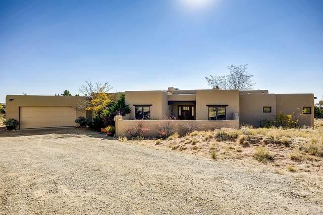 15 Antigua Road, Santa Fe, NM 87508 (MLS #202004278) :: Summit Group Real Estate Professionals