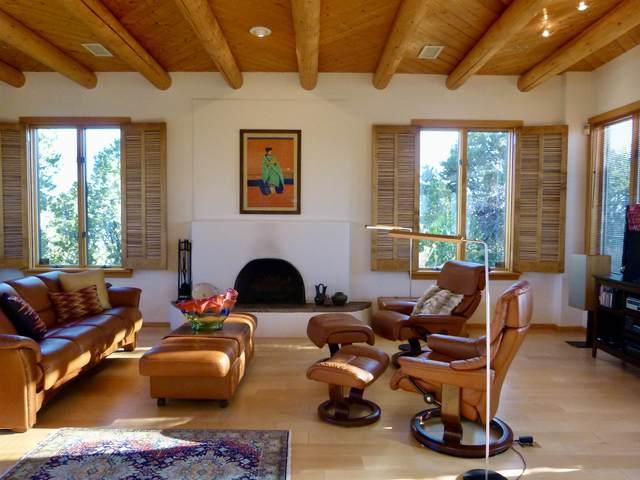 1359 Tano Ridge Road, Santa Fe, NM 87506 (MLS #202004421) :: Stephanie Hamilton Real Estate