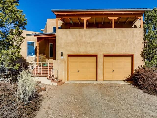 223 La Marta Ct, Santa Fe, NM 87501 (MLS #202005074) :: Stephanie Hamilton Real Estate