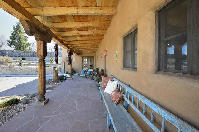 1182 Camino Delora, Santa Fe, NM 87505 (MLS #202005273) :: The Very Best of Santa Fe