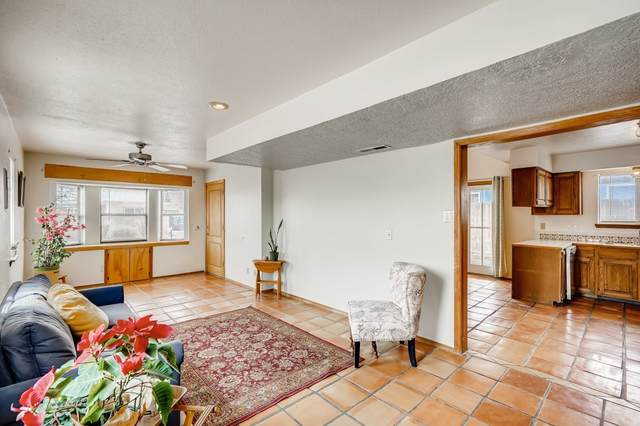 1335 Corrida De Agua, Santa Fe, NM 87507 (MLS #202100337) :: Berkshire Hathaway HomeServices Santa Fe Real Estate