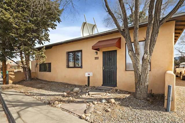 539 Juanita, Santa Fe, NM 87501 (MLS #202100346) :: Berkshire Hathaway HomeServices Santa Fe Real Estate