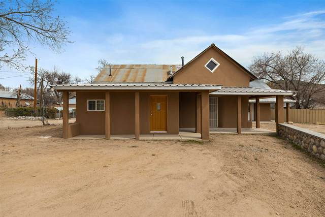 2 Paloma Rd, Chimayo, NM 87522 (MLS #202100948) :: Summit Group Real Estate Professionals