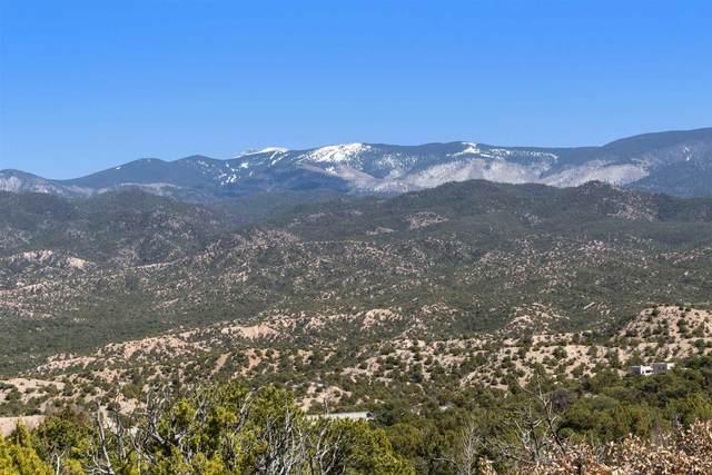 3114 Village Drive, Lot 25, Santa Fe, NM 87506 (MLS #202100985) :: Neil Lyon Group | Sotheby's International Realty