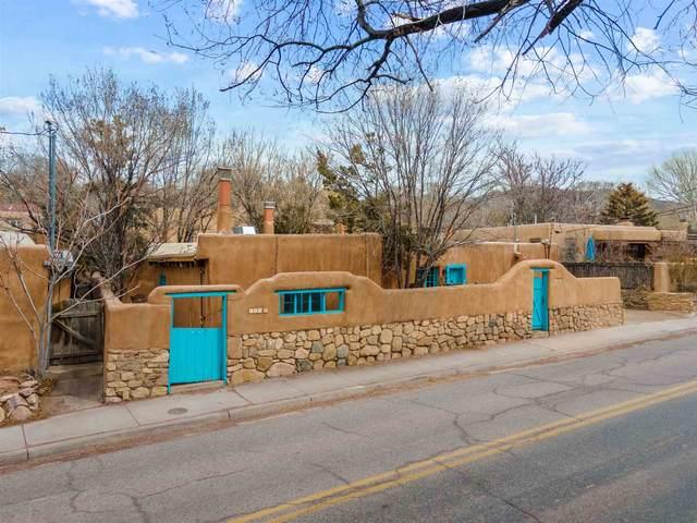 868 E Alameda, Santa Fe, NM 87501 (MLS #202101103) :: The Very Best of Santa Fe