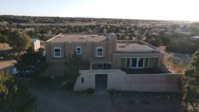 2323 Calle Tranquilo, Santa Fe, NM 87505 (MLS #202101402) :: Summit Group Real Estate Professionals