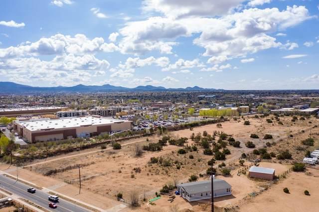 3420 Rufina, Santa Fe, NM 87505 (MLS #202101454) :: Summit Group Real Estate Professionals