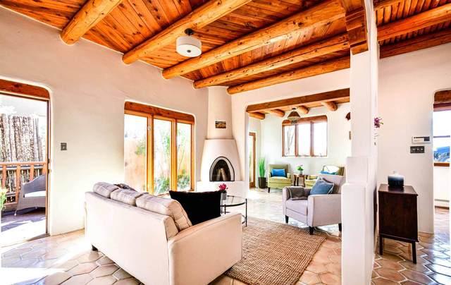 190 Gonzales Road, Santa Fe, NM 87501 (MLS #202101648) :: Neil Lyon Group | Sotheby's International Realty