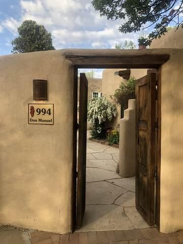 994 Don Manuel, Santa Fe, NM 87505 (MLS #202101960) :: Berkshire Hathaway HomeServices Santa Fe Real Estate