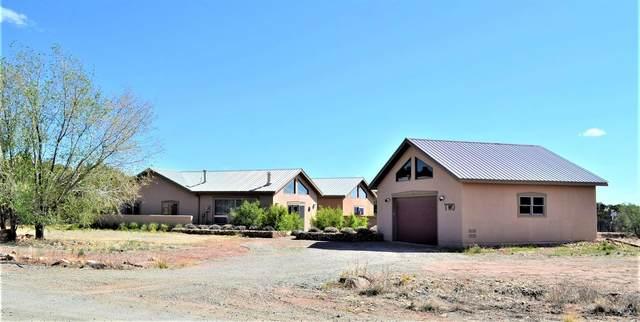 2 Camino Cielo, Santa Fe, NM 87506 (MLS #202101981) :: Berkshire Hathaway HomeServices Santa Fe Real Estate