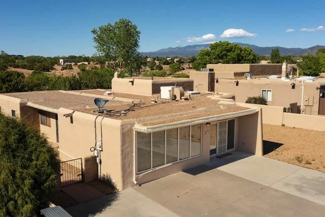 3329 Camino Cielo Vista, Santa Fe, NM 87507 (MLS #202102140) :: Summit Group Real Estate Professionals