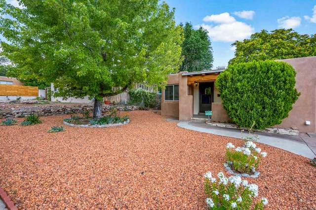 227 Miramonte, Santa Fe, NM 87501 (MLS #202103268) :: Stephanie Hamilton Real Estate